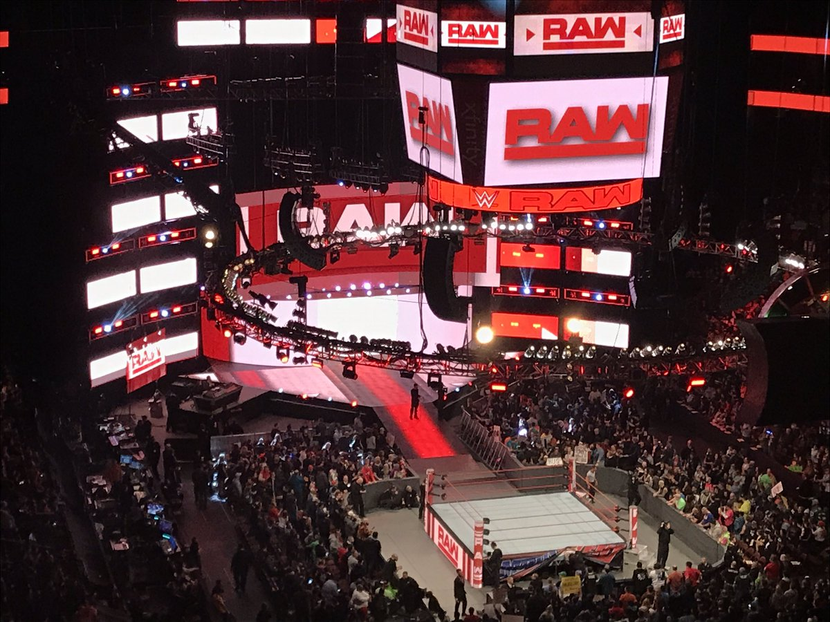 Рождественский выпуск Monday Night RAW – самый провальный в истории