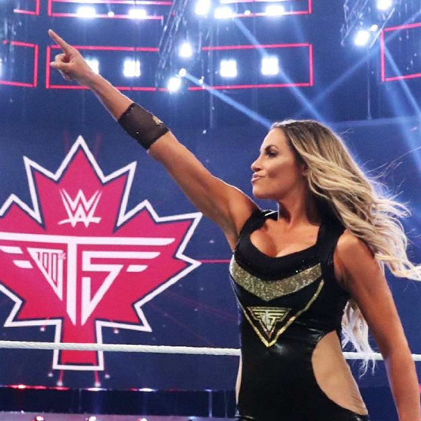 WWE Legend Trish Stratus To Feature In 2020 Christmas Movie 2